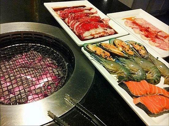 ร้านอาหารญี่ปุ่น ทาคูมิ Takumi (ห้วยขวาง)