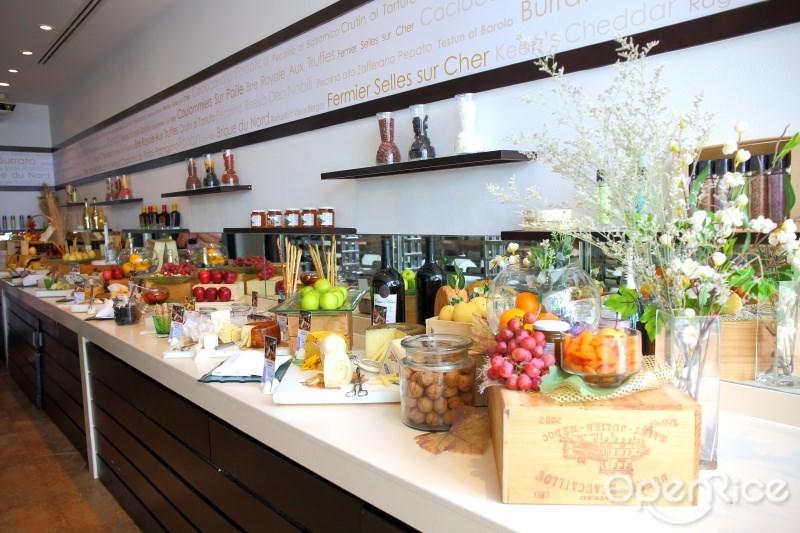 Sunday Brunch บุฟเฟ่ต์มื้อสายที่ Flow บุฟเฟ่ต์โรงแรม Millennium Hilton Bangkok