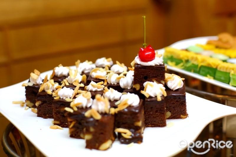 บุฟเฟ่ต์โรงแรม บุฟเฟ่ต์อาหารญี่ปุ่น และ a la carte อาหารญี่ปุ่น ห้องอาหารนิชิกิ Nishiki Restaurant Golden Tulip Sovereign Hotel Bangkok ซอยแสงแจ่ม ถนนพระราม 9