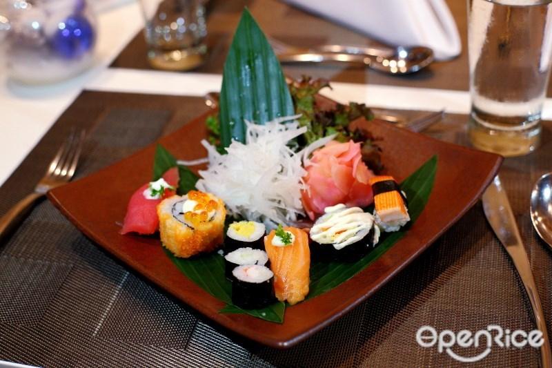 บุฟเฟ่ต์แซลมอนสุดคุ้ม Seriously Salmon ที่ห้องอาหารเดอะ สแควร์ (The Square) โรงแรมโนโวเทล กรุงเทพ แพลทินัม ประตูน้ำ (Novotel Bangkok Platinum Pratunam) บุฟเฟ่ตแซลมอนจริงจังกว่านี้ไม่มีแล้ว!