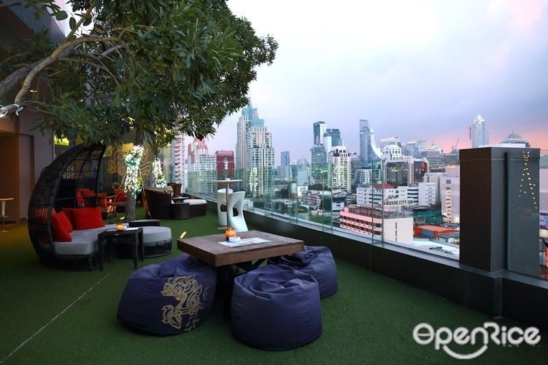 รวมร้าน Rooftop ดูพลุ และเคาท์ดาวน์สู่ปี 2016 ไปด้วยกัน! Bar 9, Rooftop at Hotel Novotel Bangkok Platinum