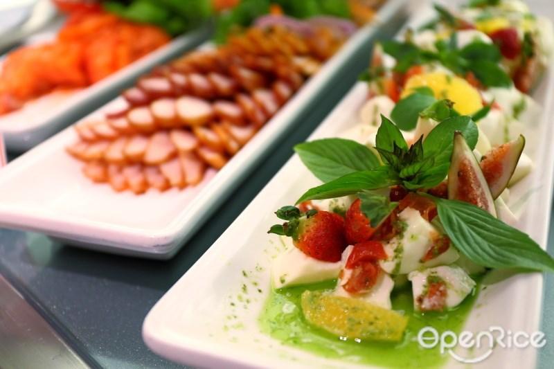 บุฟเฟ่ต์มื้อค่ำ ห้องอาหารนานาชาติ เดอะ สแควร์ (The Square Restaurant) โรงแรมโนโวเทล กรุงเทพ สุวรรณภูมิ แอร์พอร์ต (Novotel Bangkok Suvarnabhumi Airport Hotel)