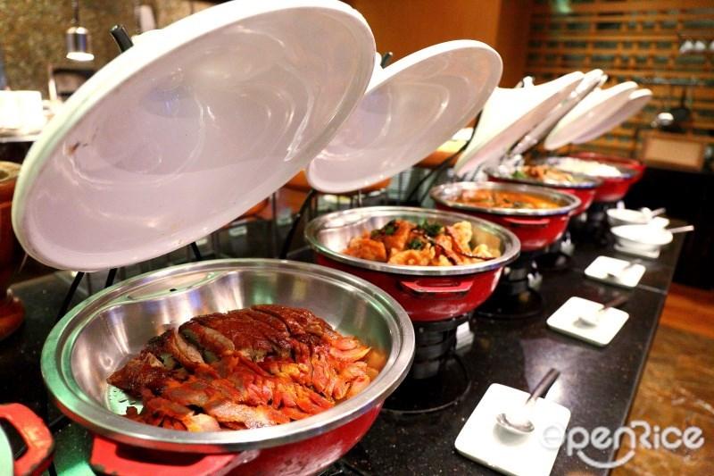 ห้องอาหาร เฟลเวอร์ (Flavors) โรงแรมเรเนซองส์ กรุงเทพฯ ราชประสงค์ (Renaissance Bangkok Ratchaprasong Hotel) บุฟเฟ่ต์นานาชาติระดับพรีเมี่ยม (International buffet restaurant)