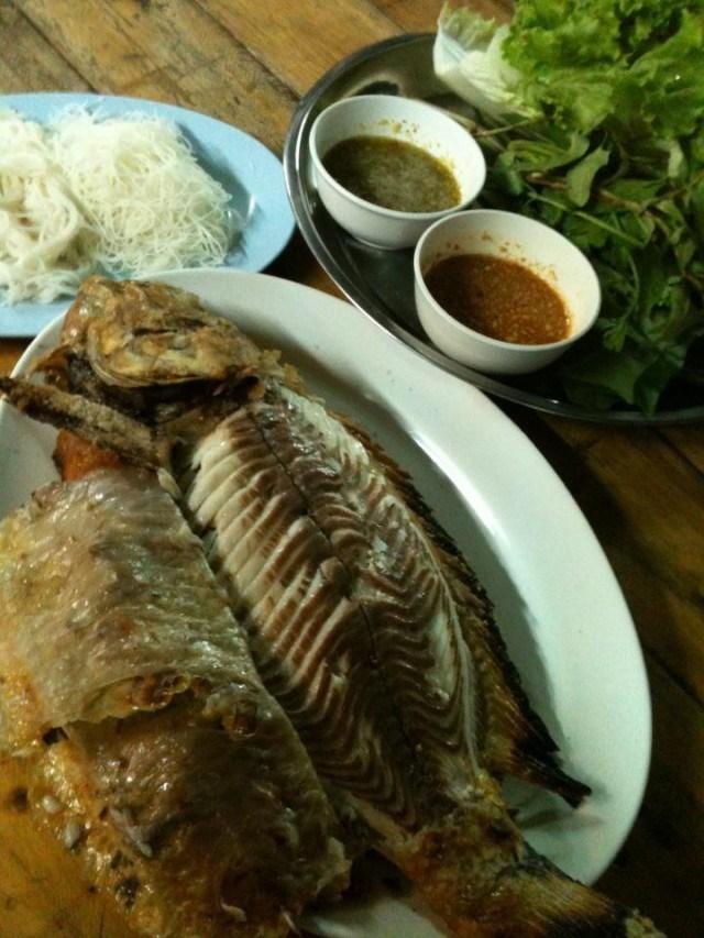 รวมร้านปลาเผาเจ้าเด็ด น้ำจิ้มแซ่บ เอาใจคนรักสุขภาพ ร้าน ปลาเผา อิ่มปลาเผา (Implaphao)