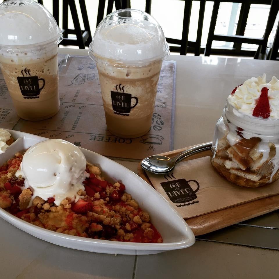 รวมร้านอาหารบรรยากาศดีหนีร้อน อร่อยห้อยขาที่ร้านริมน้ำ ร้าน On The River Cafe เป็นคาเฟ่ริมน้ำ ปทุมธานี
