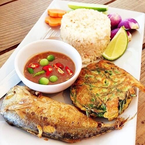 น้ำพริกกะปิ ปลาทูทอด อาหารไทย