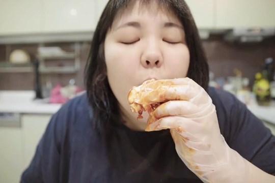 ยางซูบินสาวนักกินล้านไลค์