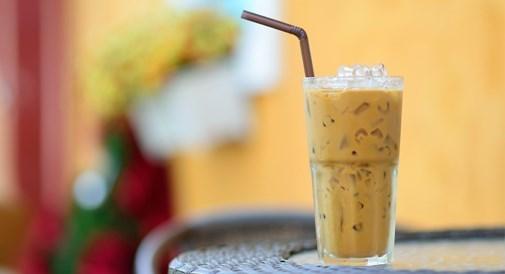 หยวนหยาง เครื่องดื่มกาแฟผสมชานมจากฮ่องกง เครื่องดื่มดับกระหายคลายร้อน