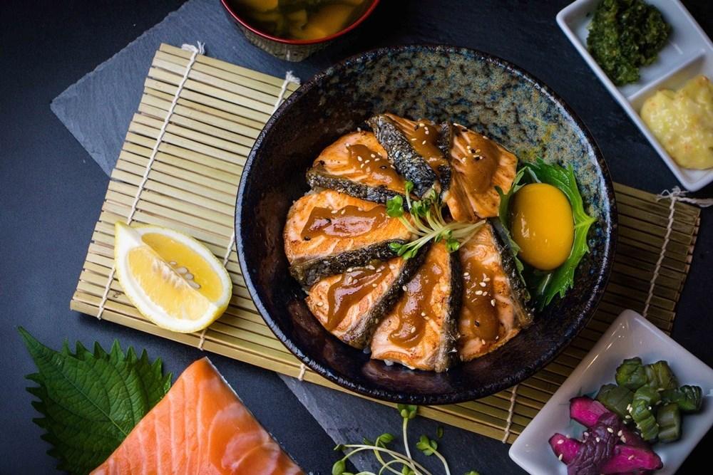 ปลาแซลมอนไซเกียวมูซิกิมิด้ง
