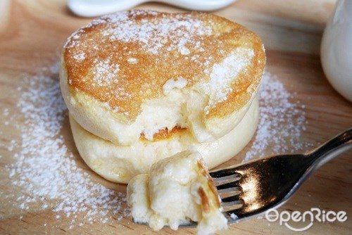 Fluffy Souffle Pancake